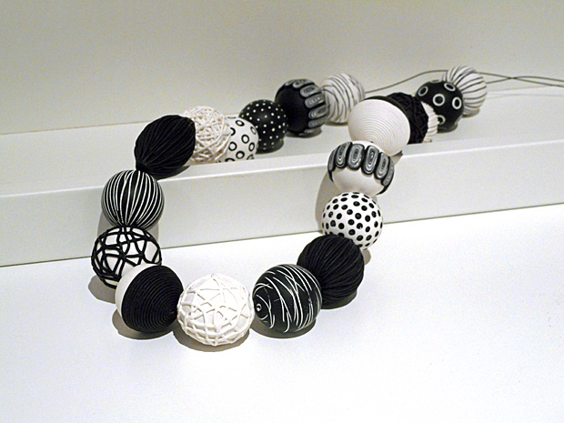 ContemporaryBeads-White-620x465